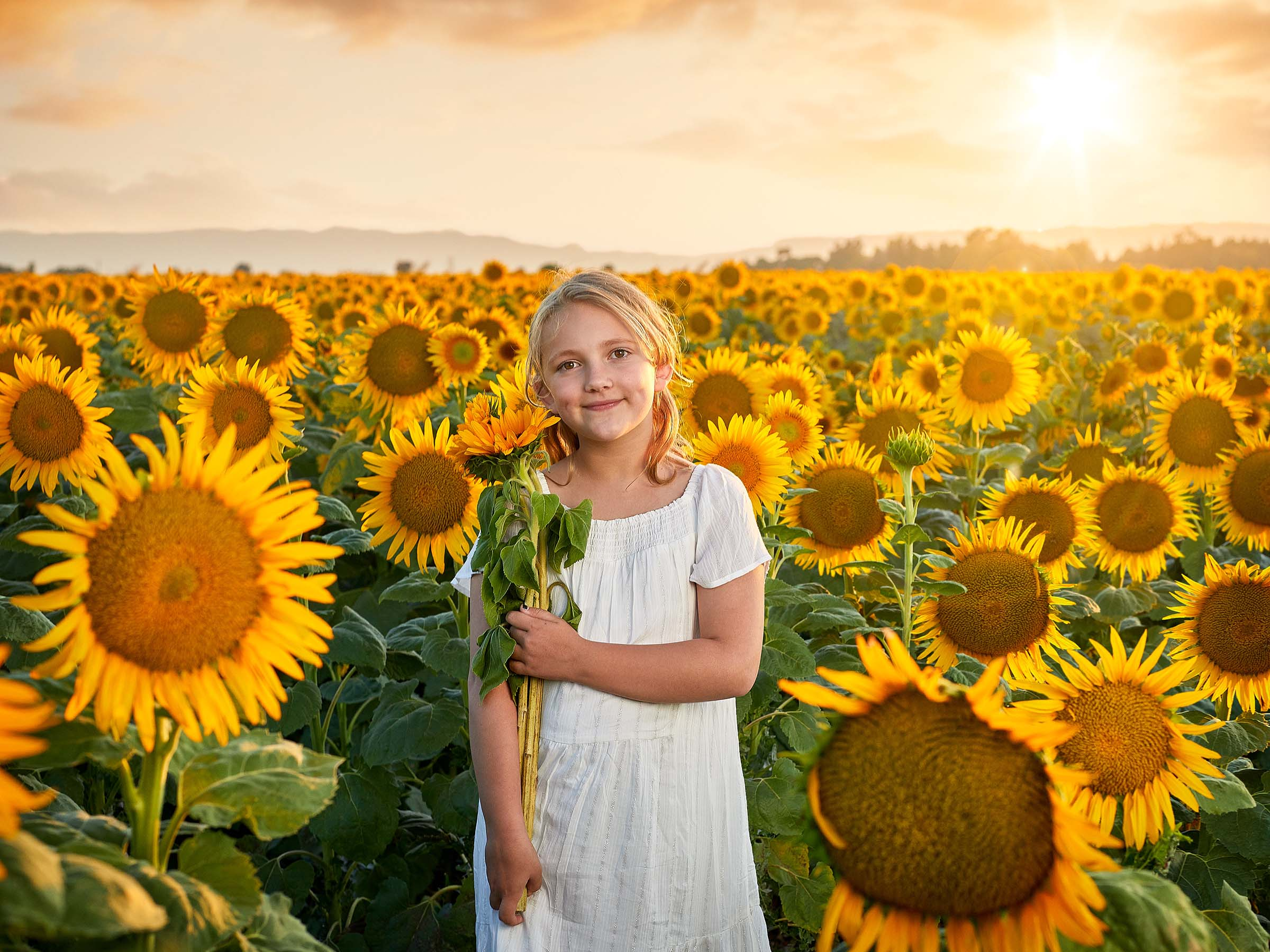 tjp_200702_sunflower_girls_0550_final_web